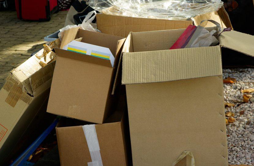 kartony, opakowania, pudełka, śmieci, odpady