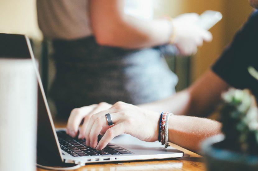 kubek, biurko, laptop, computer, kaktus